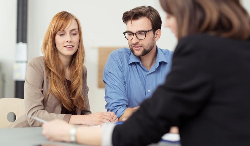 Ob ein Kredit von einer Bank vergeben wird oder nicht, hängt von vielen unterschiedlichen Faktoren ab und ist im Detail oft schwer vorherzusehen. (#01)