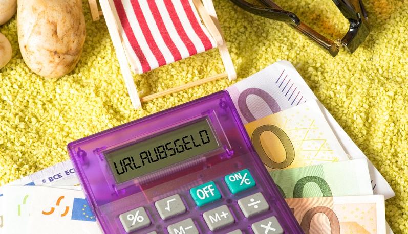 Ob und im welchem Umfang der Mitarbeiter, der auf Provision arbeitet, ein Anrecht auf Urlaubsgeld und Krankengeld hat, ist vertraglich geregelt.(#03)