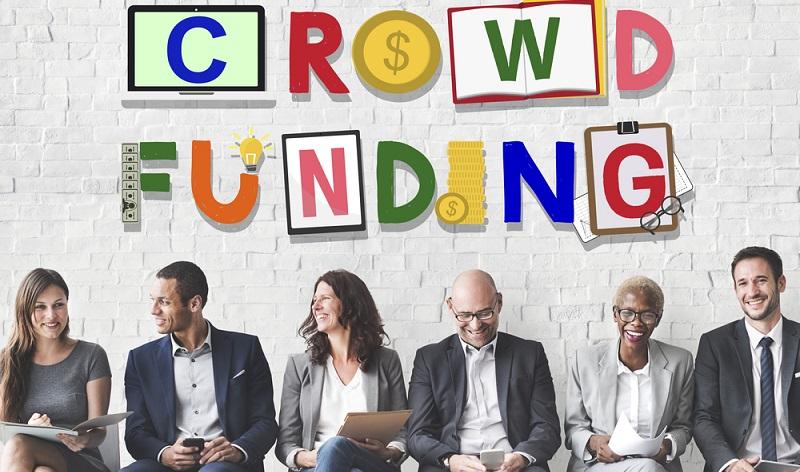 Beim Crowdinvesting investiert man ebenfalls auf einer Online-Plattform und zwar meist in Immobilienprojekte wie Einkaufszentren oder Wohnanlagen. (#03)
