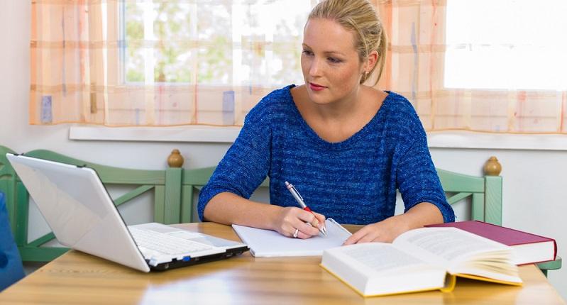 Auch für eine Weiterbildung ist ein Kredit ein guter Verwendungszweck. (#04)