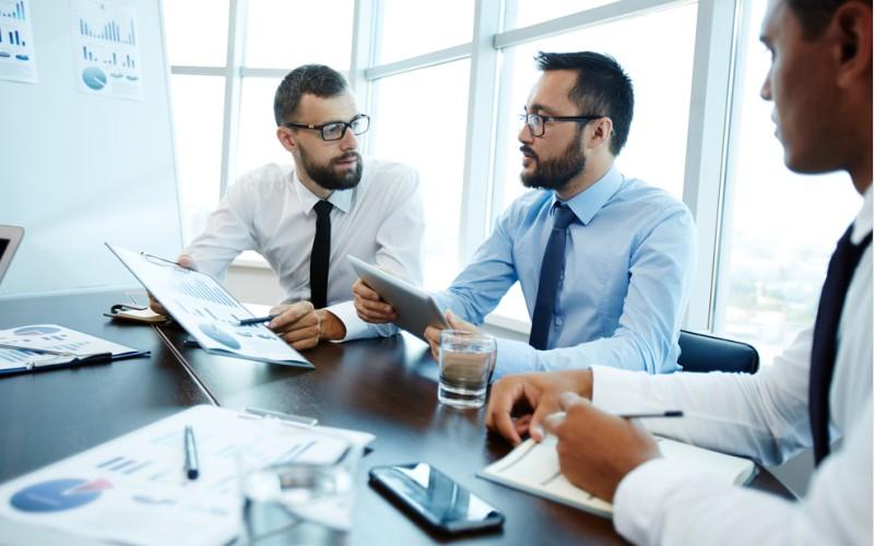 Wichtig ist es, die Chartanalyse nur als einen Teil der Faktoren zu sehen, die einen Hinweis darauf geben können, wie sich Aktien entwickeln. Warum das so ist, könnt ihr hier im Artikel nachlesen. (#2)