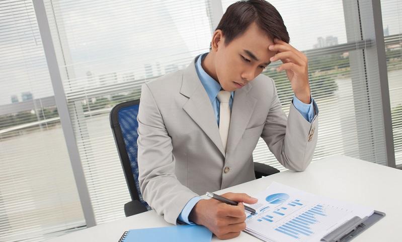 In der Regel entscheidet der Depotinhaber selbst, wie der Kredit zurückgezahlt wird, zumal es sich nicht um einen befristeten Kredit handelt. Ein Ratenkredit ist ein solcher befristeter Kredit und muss demzufolge innerhalb der festgelegten Zeit zurückgezahlt werden.