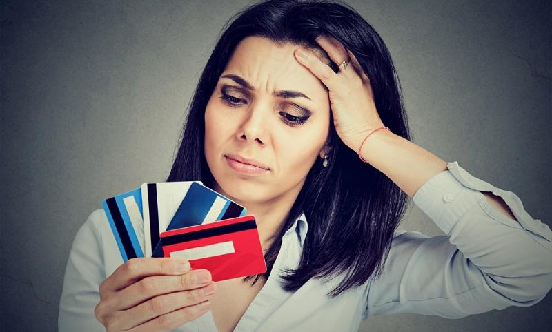 Rechnungen und Kreditraten müssen pünktlich zur Zahlungsfrist gezahlt werden und sollten am Tag der Fälligkeit beim Gläubiger eingehen. ( Foto: Shutterstock- pathdoc_)
