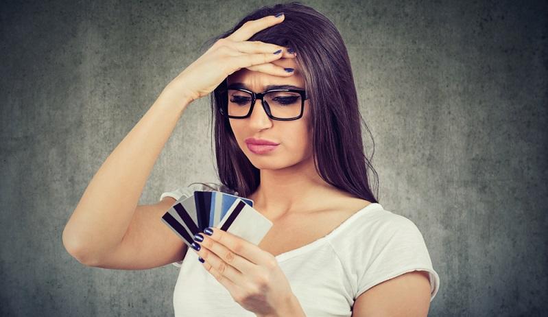 """""""Wie kann ich ganz einfach meine Bonität verbessern?"""" Diese Frage stellen sich viele, die bei der Bonitätsprüfung festgestellt haben, dass ihre Kreditwürdigkeit gar nicht so gut ist wie gedacht. (Foto: Shutterstock-  pathdoc )"""