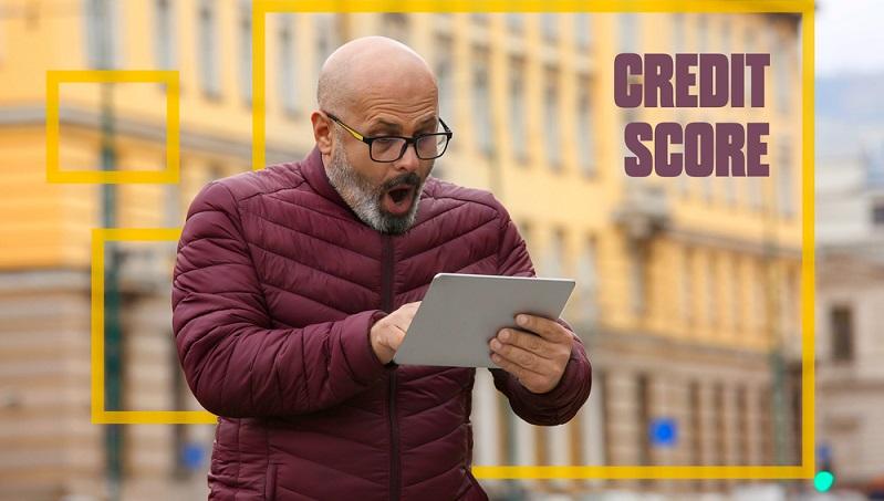Eine schlechte Bonität entsteht durch häufige Zahlungsverzüge.  ( Foto: Shutterstock- _ Marta Design)