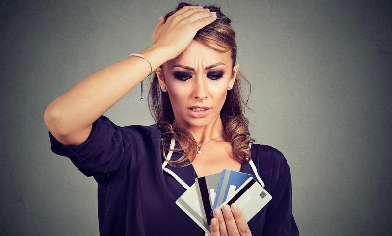 Girokonten und Kreditkarten werden gern günstig angeboten. Doch wie viele Konten und Karten braucht der Mensch? ( Foto: Shutterstock- pathdoc_)